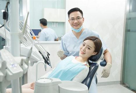 口腔医学专业就业好,创业容易,这5所院校实力强高考分数低