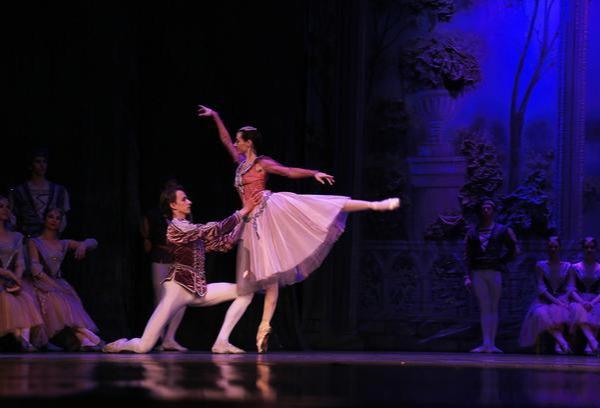 """舞蹈艺考学校哪家好?教你几招,避免舞蹈艺考行业里的""""大忽悠"""""""