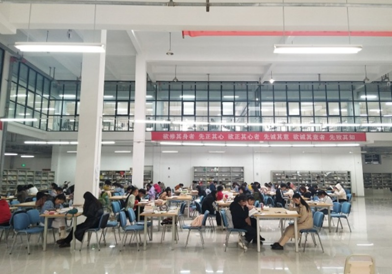 图书馆内部