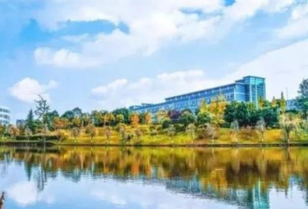 西华师范大学和川师大学哪个好